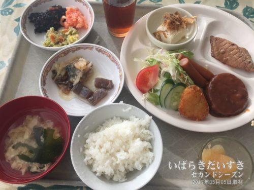 朝食:東海ロイヤルイン