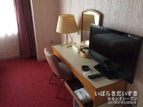デスク回り:大金温泉グランドホテル