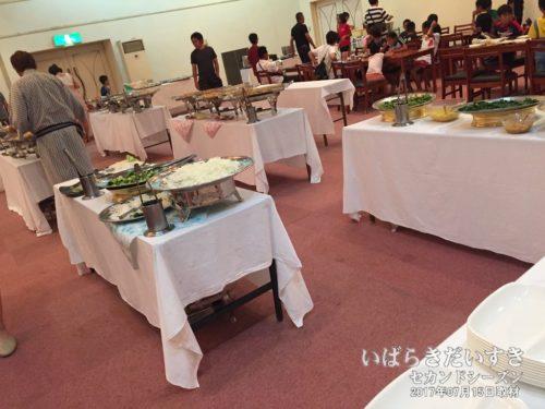 朝食会場:大金温泉グランドホテル