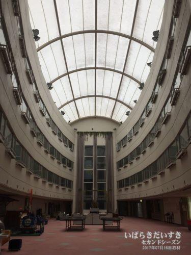 ホテル吹き抜け:大金温泉グランドホテル