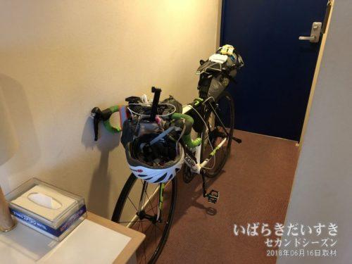 洋室に自転車を持ち込んだパターン。