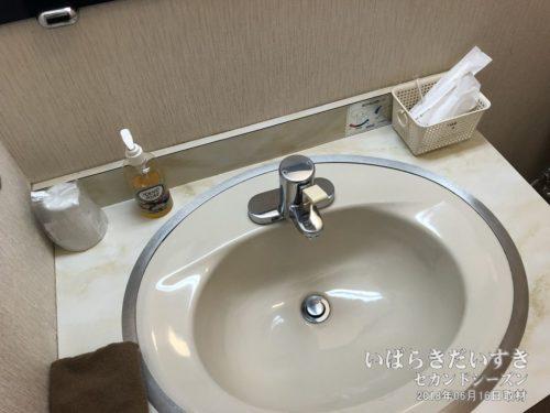 和室の洗面所。