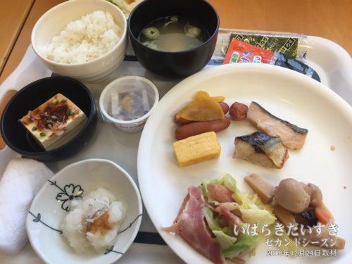朝食:朝食会場 白銀:ホテルウィングインターナショナル鹿嶋
