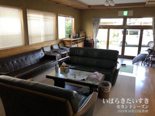 1階広間:鈴木屋旅館