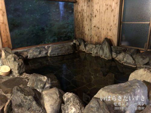 大浴場 岩風呂 :ホテル鮎亭