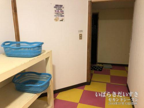 更衣室(露天風呂側):大金温泉グランドホテル