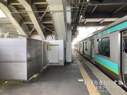 JR小林駅で下車。