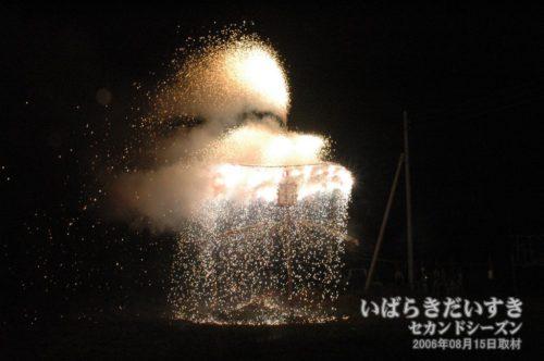 からかさ万灯(2006年撮影)