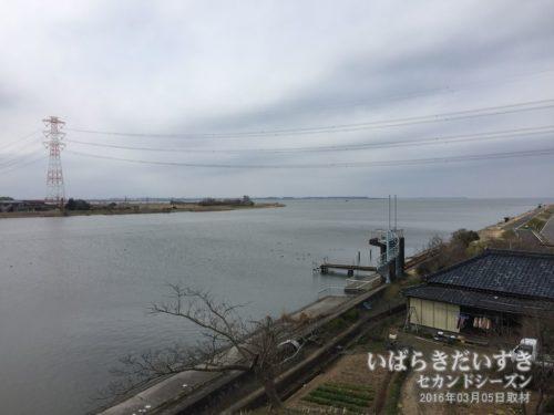 二代目北利根橋から、霞ヶ浦方面を望む。