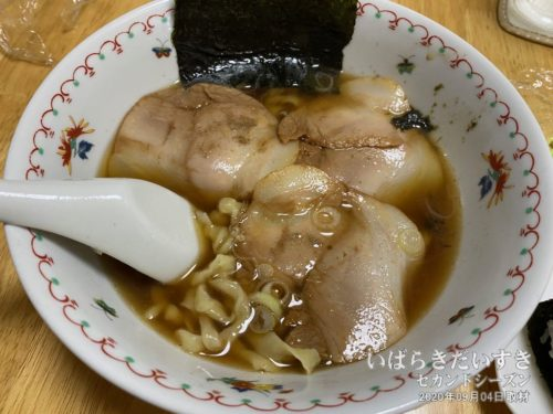 松屋製麺所のお土産ラーメン / 醤油味<br>のりとチャーシューはこちらで別に用意したものです。