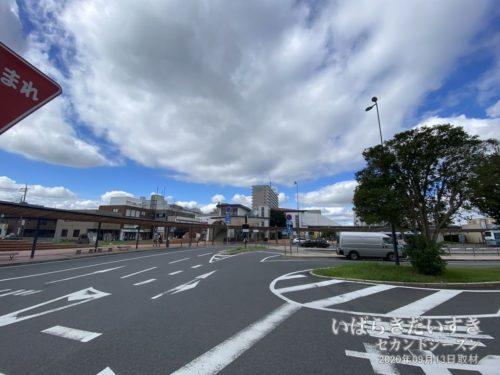 常磐線 JR牛久駅(東口)駅舎