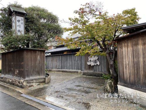 蒲焼 中川楼:過去に何度か、この店の前を通ったことがあります。ここが中川楼だったのか。