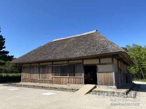 旧土肥家住宅。(県指定重要文化財)