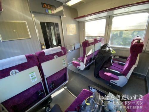 常磐線 普通車グリーン車両<br>たまに誰もほかの客がいないときがあります。