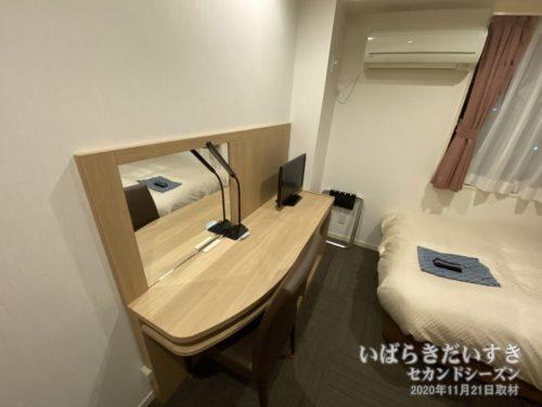 デスク / シングルルーム:多賀ステーションホテル