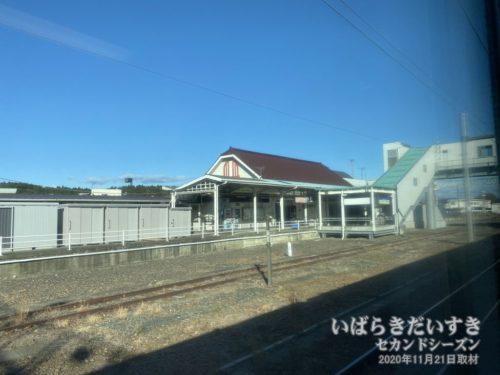 常磐線普通列車は、まもなく高萩駅に入線します。