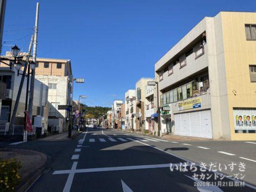 JR高萩駅前の商店街からスタートです。