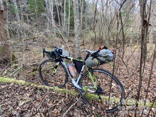 登山口に置いてあった自転車を回収。