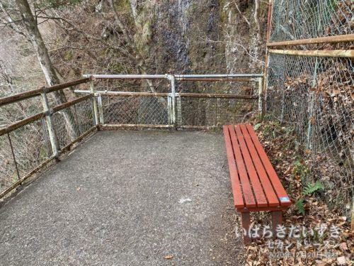 生瀬の滝は、盲腸コース。