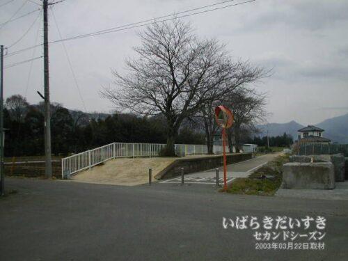 筑波鉄道 東飯田駅。(2003年)