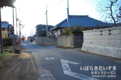 坂田駅が見つからず、町を彷徨った。