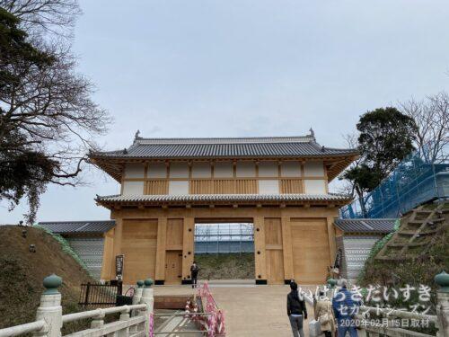 弘道館まえに完成した、「大手門」もご覧になっていってくださいね!