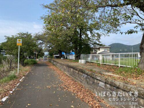 筑波鉄道 東飯田駅 / 筑波山口駅方面から岩瀬駅方面