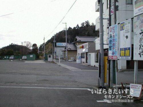 常磐線 JR富岡駅 駅前の宿泊施設(2003年撮影)