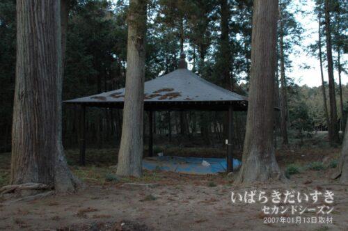 「関取神社」とも呼ばれ、毎年08月に奉納相撲が行われます。