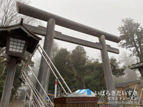 平成26年(2014)に再建された鹿島神宮 大鳥居。(2020年撮影)