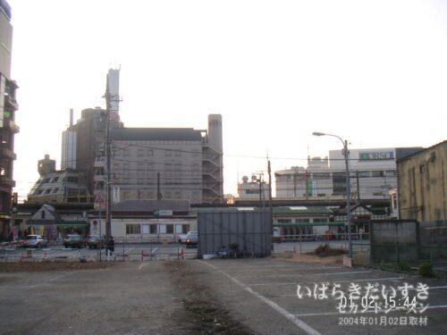 JR浦和駅 東口 。(区画整理中の2004年)